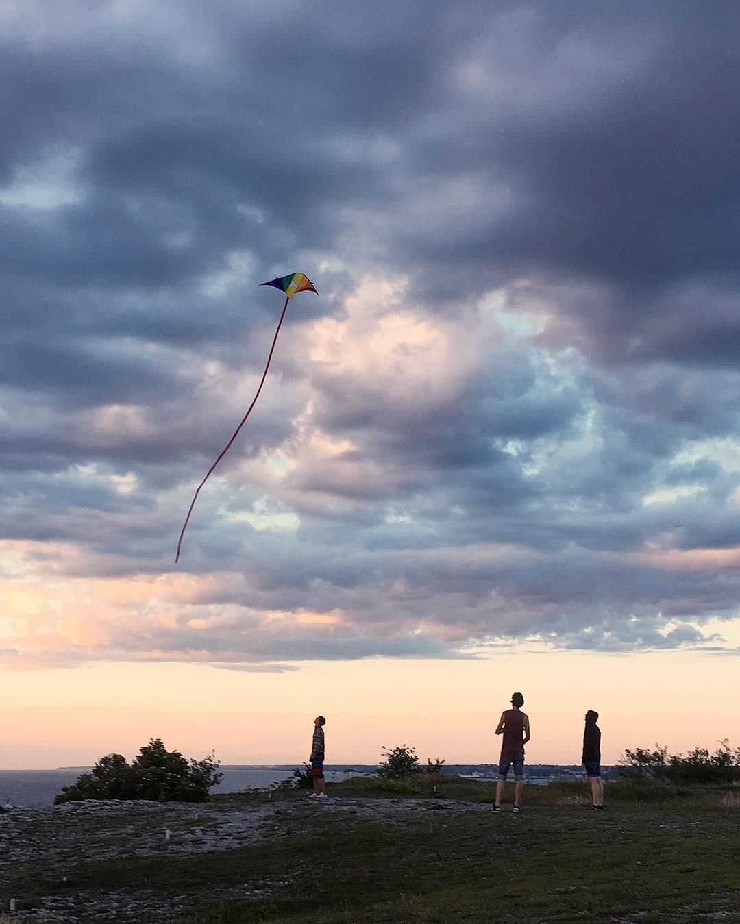 Flyga drake. 200 m. lina